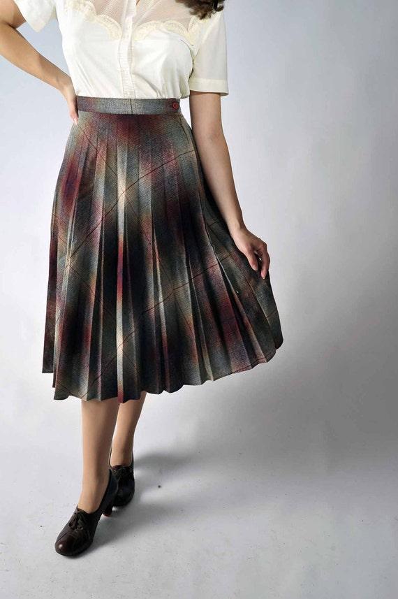 Vintage 1970s Skirt // Fall Fashion at Fab Gabs: The Autumn Shadows Plaid Skirt