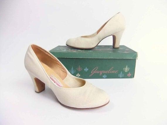Vintage 1940s Shoes // The Spring Savoy Linen Cuban Heel Wedding Shoes Pumps Size 7.5 8