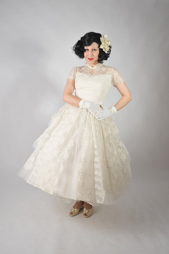 Vintage 1950s Wedding Dress // Stunning Tea Length Full Skirt Tiered Lace Wedding Gown with Stand Up Collar