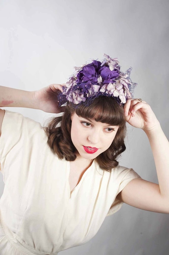 Vintage 1940s Hat // The Secret Garden Lush Purple Floral Tilt Hat