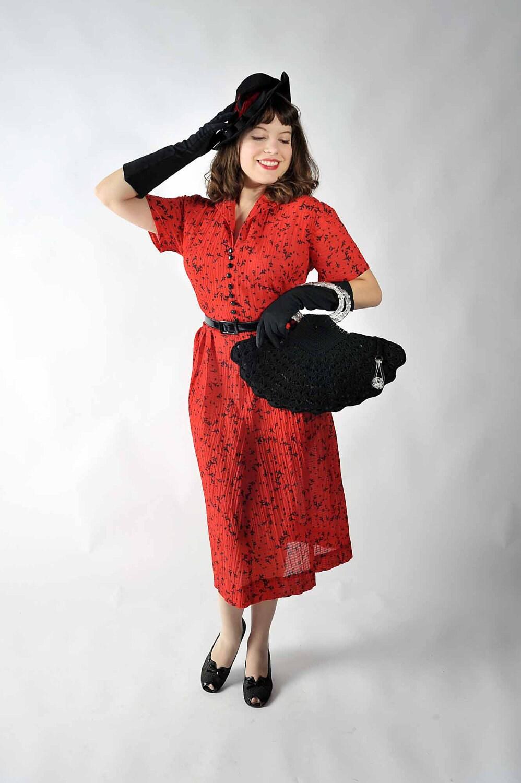 vintage 1950s novelty print dress fall fashion at fab gabs