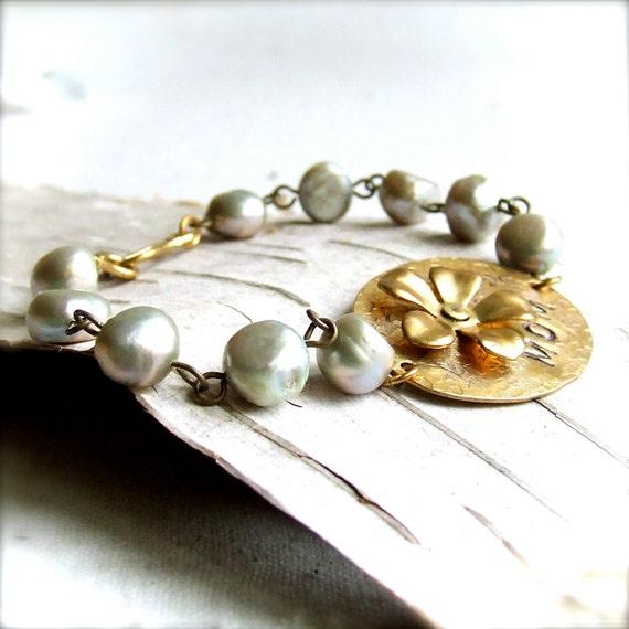 Personalized Brass, Pearl - Bracelet -My Mother no.2 - Handmade Fashion - Mother's Day Bracelet