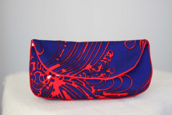 Clutch Purse in Royal Blue, Bright Red, and White Floral Wave Print Vintage Fabric Size Large cc020 - ready to ship