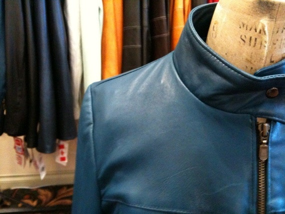 Cool, short, perfect for All seasons, peacock blue smooth leather jacket  L available - ON SALE more than 40% off