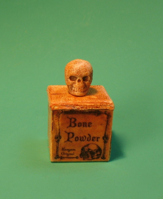 Collector Miniature - Wizard Witch Tin Box of Bone Powder with Skull OOAK 1:12 IGMA