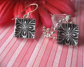 NEW...20 EARRING SIZE GLASS PENDANTS...GREAT FOR TINY PENDANT NECKLACE OR RING.