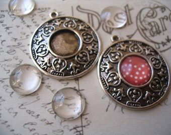 40 Vintage Style Pendant Trays with glass tiles...Antique Silver...inside diameter 12mm...VSP