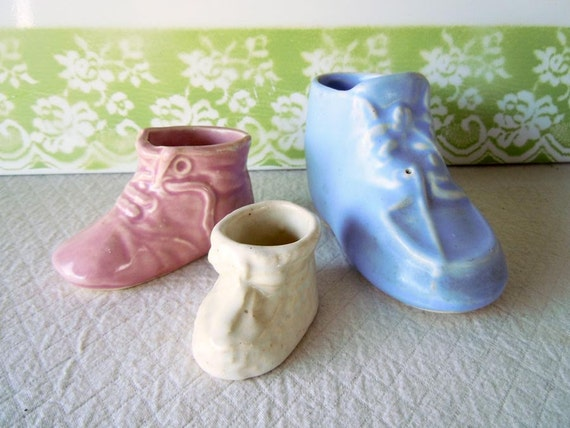 1940 Vintage Trio Ceramic Baby Booties Planters Shoes Pink Blue Cream