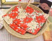 Christmas Holiday Red Poinsetta Kitchen Pot Holders Set of Two