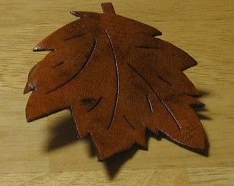 """Maple Leaf Pin 2"""" x 2 1/2"""""""