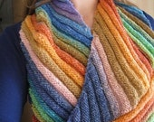 Rainbow Moebius Pattern - a knitting pattern for a colourful wrap by Filambulle