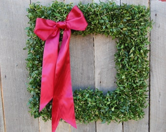 "Fresh Trimmed 24"" Square Boxwood Wreath, sqaure wreath,  wedding wreath, fresh boxwood wreath, fresh square wreath, Christmas wreath"