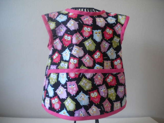 Sleepy Owl Apron or Smock with Bright Pink Trim. Size 2t-3t