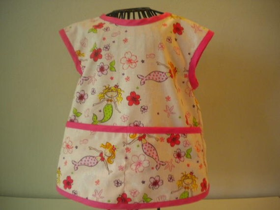 Adorable Mermaid Art Smock or Apron Trimmed in Pink. Size 3t-4t