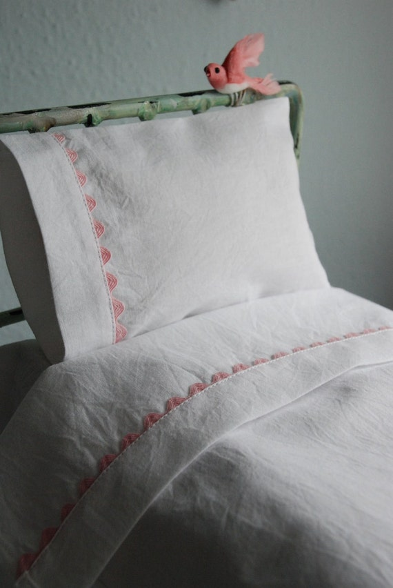 Crisp White Bed Linens with Vintage Ricrac Trim for Blythe