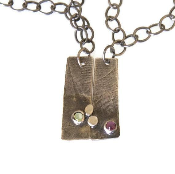 bestfriend pendant. modern two peas in a pod. silver necklace