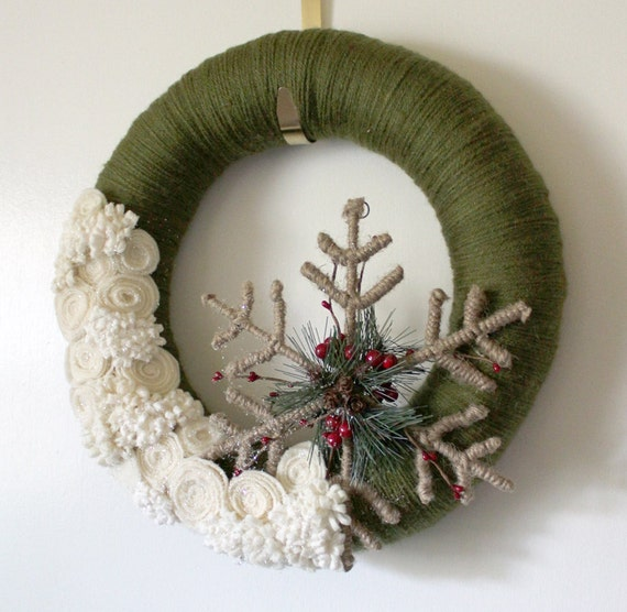 Winter Snowflake Wreath, Forest Green and Off White Yarn and Felt - 14 inch size