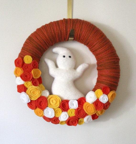 Halloween Wreath, Ghost Wreath, Candy Corn Color Wreath, Yarn and Felt Wreath, Large 14 inch Size