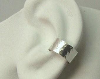 Ear Cuff, Silver Ear cuff,  Non-pierced, Cartilage Wrap, Earring Fake Conch, No Piercing, Cuff Earring, Faux Pierced Hoop Hammered E1SSHM