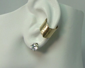 Ear Cuff, Gold Ear cuff Non-pierced Cartilage Wrap Earring Fake Conch, No Piercing Cuff Earring Faux, Pierced Hoop  Chevron Hammered E2XGFHM