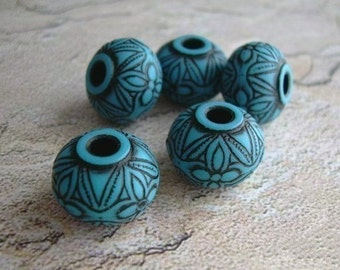 5 Carved Vintage Lucite Beads Turquoise Black Ancient Art