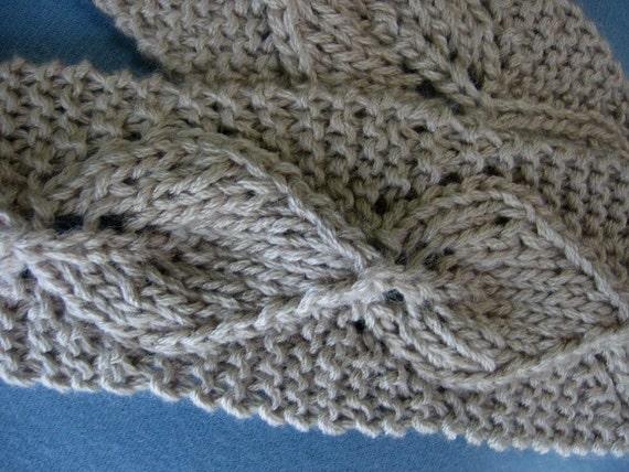 Vintage Leaf Knitting Pattern : Knit Lace Scarf Wrapped in Lace Vintage Inspired Leaf Pattern