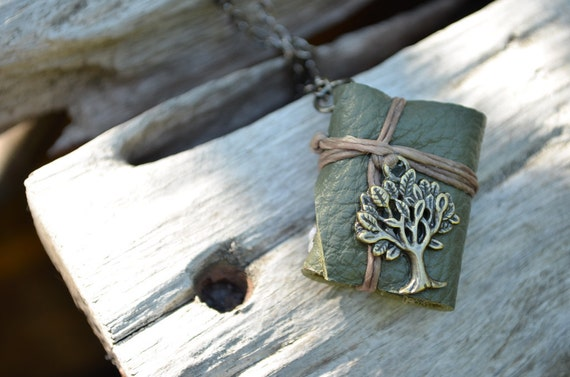 MiniatureBook Necklace Tree & Green leather