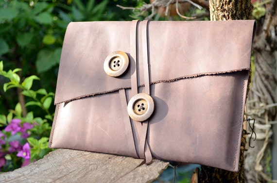 S.A.L.E iPad Sleeve Vintage Style Brown color