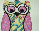 Sew Perfect Zippered Owl Case, for cards, cash, coin and more.