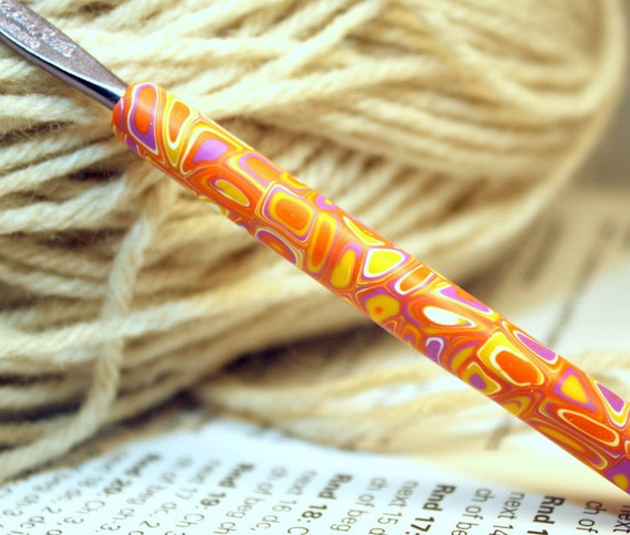 Polymer clay covered crochet hook, new size F5 or 3.75mm, Klimt inspired design, Susan Bates hook