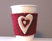 Cup cozy in red and white hearts