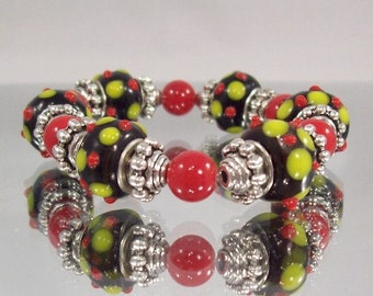 CLOSEOUT SALE 50% OFF - Christmas Lampwork Glass Bead Bracelet B287