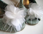 Organza flower shoe clips with feathers