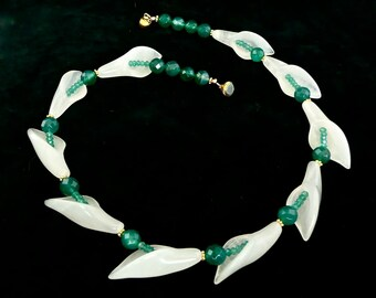 Snow White -- Choker, flower garland, beaded with white jade and green onyx