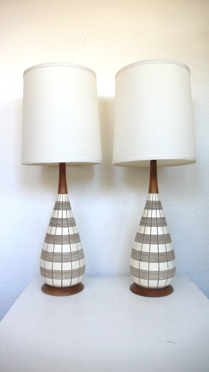 pair of mid century modern lamps reserved for by hausproud. Black Bedroom Furniture Sets. Home Design Ideas