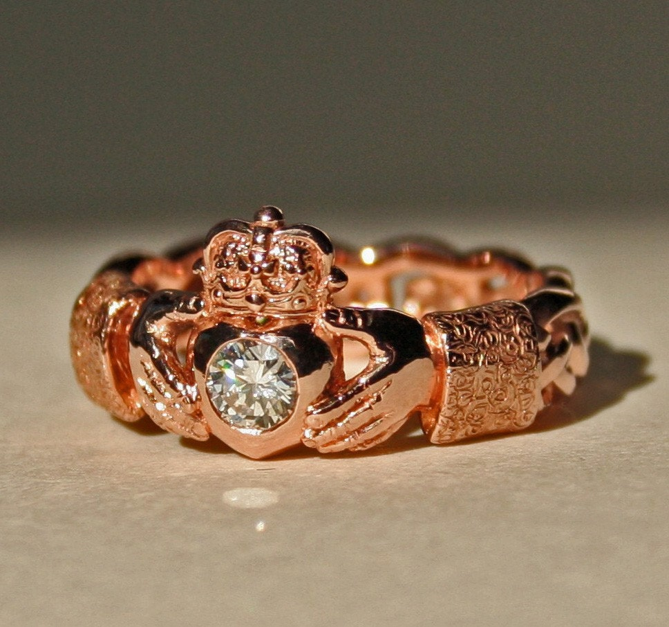 diamond claddagh ring with celtic knot band size 6 1 2 in 14k. Black Bedroom Furniture Sets. Home Design Ideas