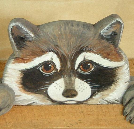 RACCOON - Door Topper - Wood Carving - Wildlife Sculpture - Woodland Decor - Hand Carved - Hand Painted - Cabin Decor by Will Kay Studios