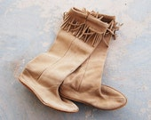 vintage 70s Moccasin Boots - Native American Nude Suede Fringe Boots Sz 6