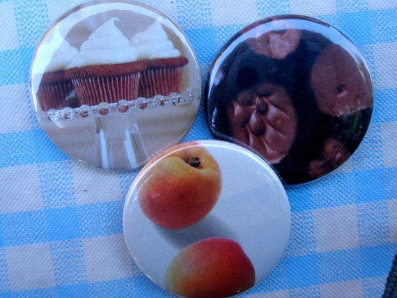 Delicious pinback button set