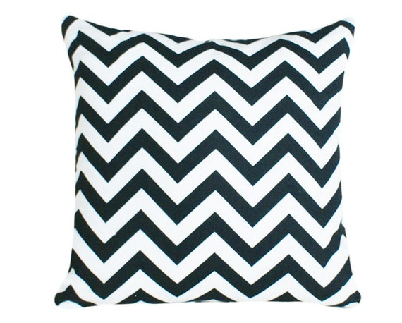 Black and White Zigzag Pillows, Chevron Pillow Covers, Trendy, Modern, Couch Throw Pillow Cover 18x18
