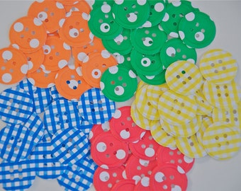 100 Embossed Button Die Cuts