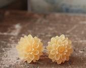 Chrysanthemum Stud Earrings in Tangerine
