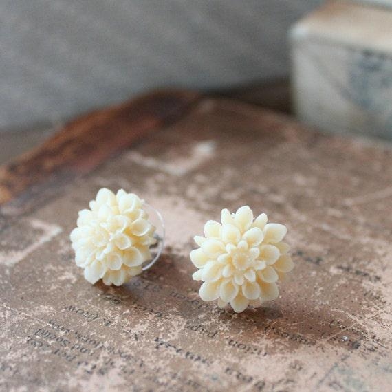 BUY 1 GET 1 FREE - Chrysanthemum Stud Earrings in Buttercream