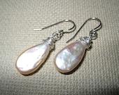Champagne fresh water pearl earring