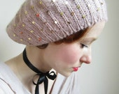 Beret in Light Pink With Gold Sequins