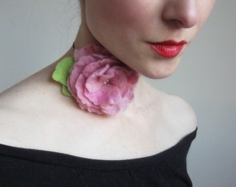 Ani Felted Floral Necklace in Pink