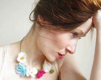 Necklace,Felted Necklace,Flower necklace,