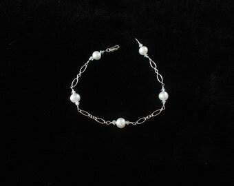 Freshwater Pearl Bracelet. Listing  25999296