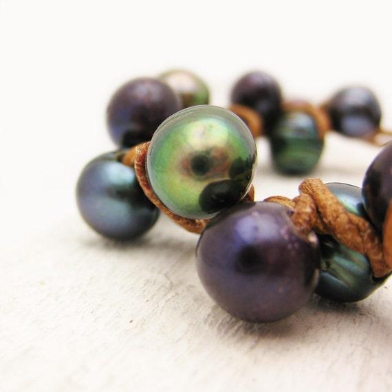 "6- 6 1/4"" Wrist ONLY Peacock Pearl Leather Bracelet / Knotted Huge Fresh Water Pearls / Phlox Purple Grey Sea Ocean Clam Pearls Organic"