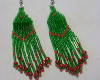 FREE SHIPPING!!  Beaded Earrings Christmas Red Green